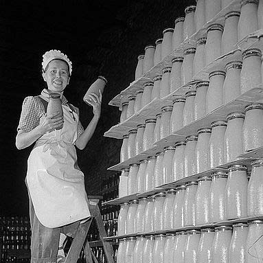 Feinkostfabrik-Marmeladengläser---Fotograf-Rössinger---Deutsche-Fotothek