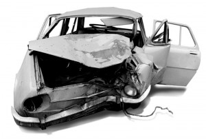 800px-Accidents_-_after_crash_1978_Skoda
