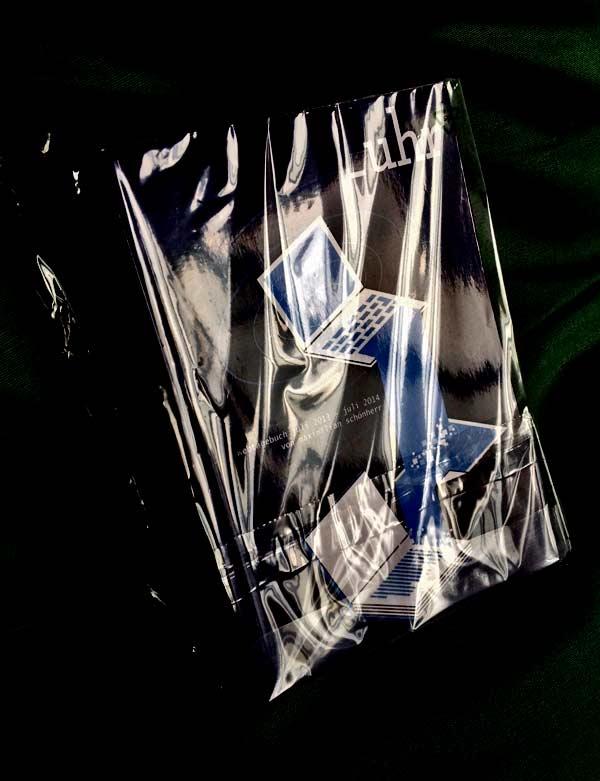 UHR-buch - in verpackung