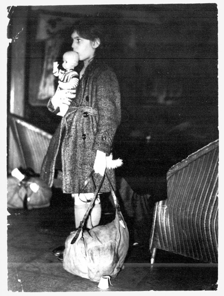 Kindertransport_Harwich_1938_small